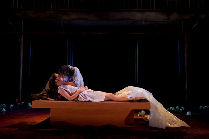 romeo and juliet juliet s monologue The balcony scene is scene ii of romeo and juliet and it's called capulet's orchard there are many lines exchanged between romeo and juliet, however, juliet doesn't have a monologue (soliloquy: only one character is on stage talking.